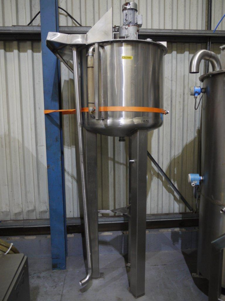 Holding Tank With Stirrer