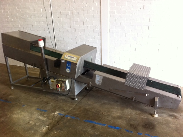 Loma IQ2 Metal Detector